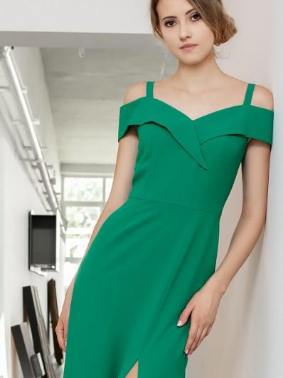 Piękny dekolt w sukience wieczorowej, ołówkowy fason, suknia zielona maxi Bee Collection Kasjana