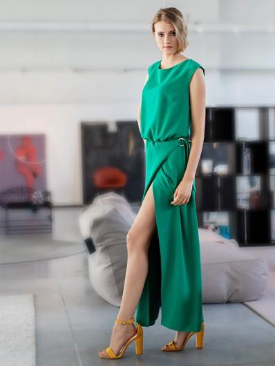 Zielona maxi suknia weselna, kopertowa z dekoltem w łódkę Bee Collection Paryżanka