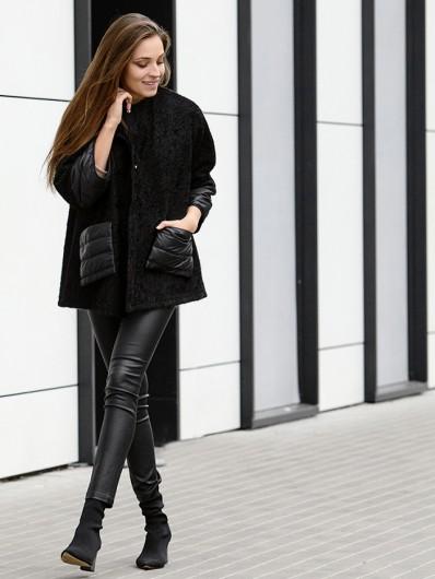 Czarne modne ponczo, kobiecy fason i dziewczęcy luz Bee Collection Tula