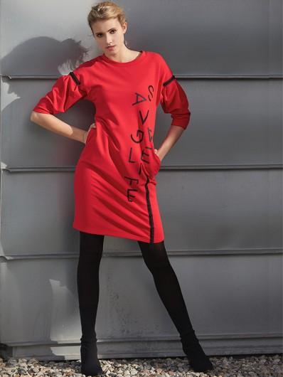 Sukienka z wygodnej czerwonej dzianiny , przed kolano z rękawem poszerzonym, trendy lata 80' Bee Collection Savage