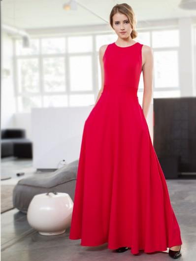Dziewczęca a zarazem bardzo kobieca sukienka czerwona rozszerzona z gorsetową górą Bee Collection Neo