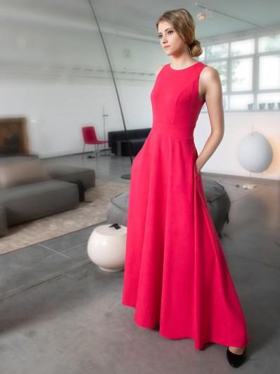 Czerwona maxi sukienka wizytowa, z dzianinowa górą i rozszerzonym dołem weselna Bee Collection Neo