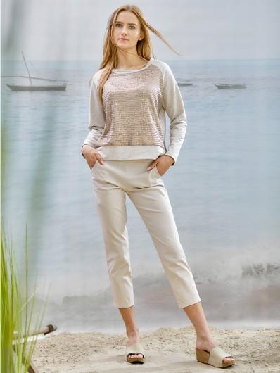 Sportowy fason jasno beżowej bluzy z modnymi cekinami i długim rękawem Bee Collection Explorer