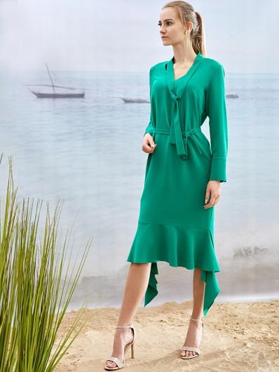 Sukienka luźna tuszująca za kolano w zielonym kolorze z długim rękawem Bee Collection