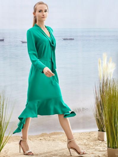 Kobieca koktajlowa zielona sukienka za kolano z wiązaniem pod szyją Bee Collection