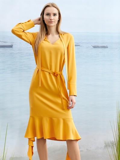 Sukienka ponadczasowa, wzrok przyciąga wiązanie pod szyją i falbana na dole, elegancka i ponadczasowa Bee Collection