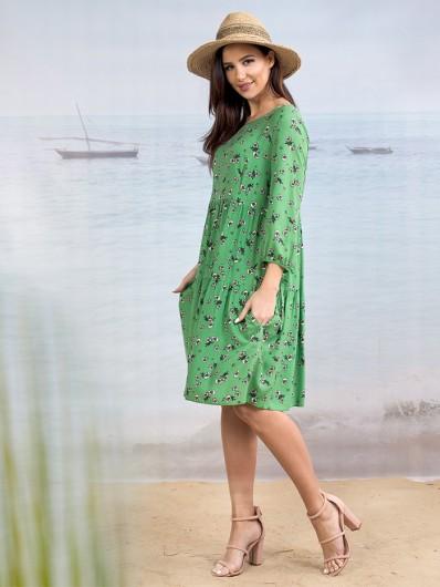 Tuszujący, wygodny fason sukienka w pięknym zielonym kolorze z rękawem 3/4 Bee Collection Weronika