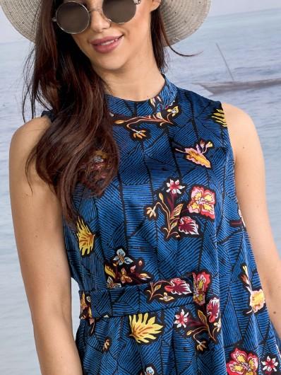Bluzka bez rękawów, na małej stójce pięknie podkreśla linię ramion, elegancka nowoczesna bluzka Bee Collection Camella