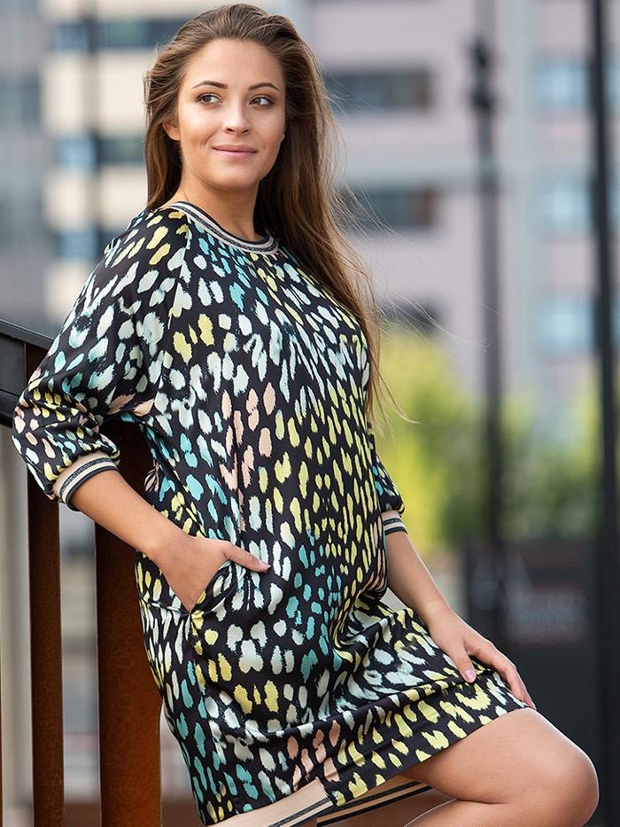 Sukienka przed kolana z rękawem za łokieć, czarne tło i kolorowe cętki, modna sukienka  Bee Collection Mirka