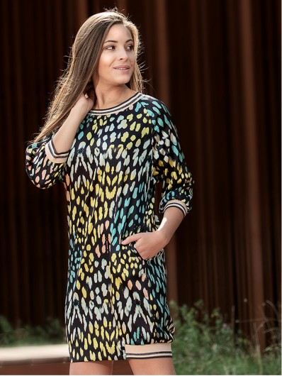 Sukienka tuszująca, doskonała do pracy i na spotkania towarzyskie czy biznesowe, tkanina satyna Bee Collection Mirka