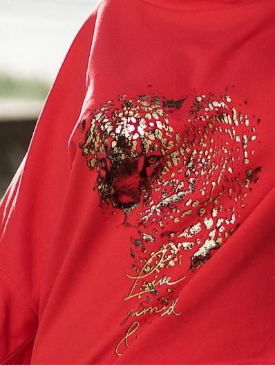 Elegancka i wygodna bluza w stylu sportowej elegancji, czerwony kolor i złoto czarny nadruk Bee Collection Niren