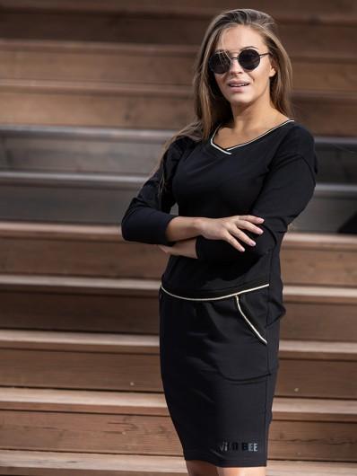 Sukienka z dzianiny dresowej ale w eleganckim , klasycznym stylu, sukienka czarna z dekoltem w szpic Bee Collection Luda