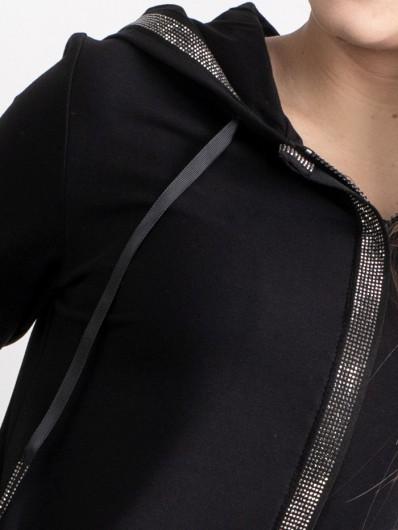 Bluza czarna dresowa z bawełnianej dresówki z kapturem i ozdobnymi dżetami, z suwakami i kieszeniami Bee Collection Zodiak