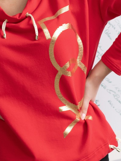 Oryginalna czerwona bluza z autorskim złotym nadrukiem, na stójce, z rękawem Bee Collection Look