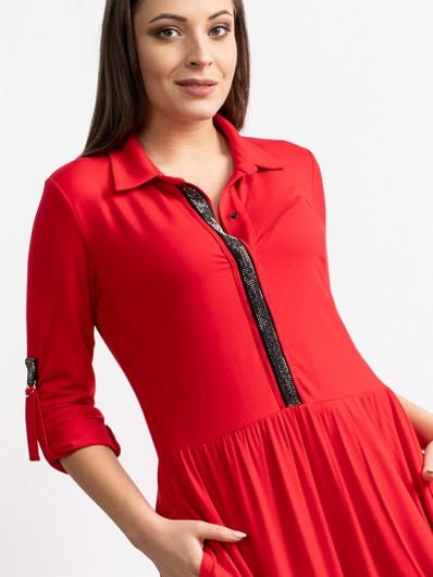 Elegancka, wygodna czerwona sukienka długa z ozdobnymi kamieniami, szeroka, tuszująca Bee Collection Andżela