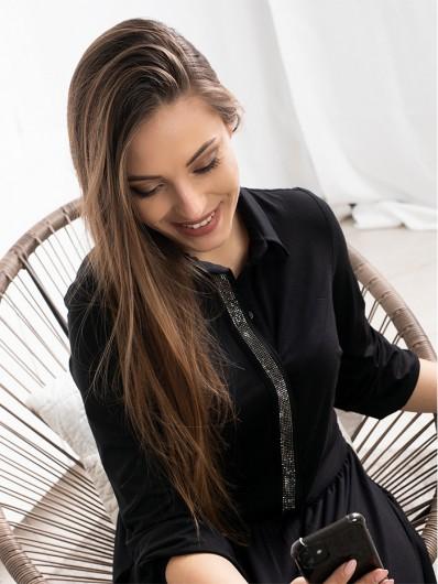Wygodna a zarazem elegancka czarna sukienka do wielu stylizacji , maxi z rękawem Bee Collection Andżela
