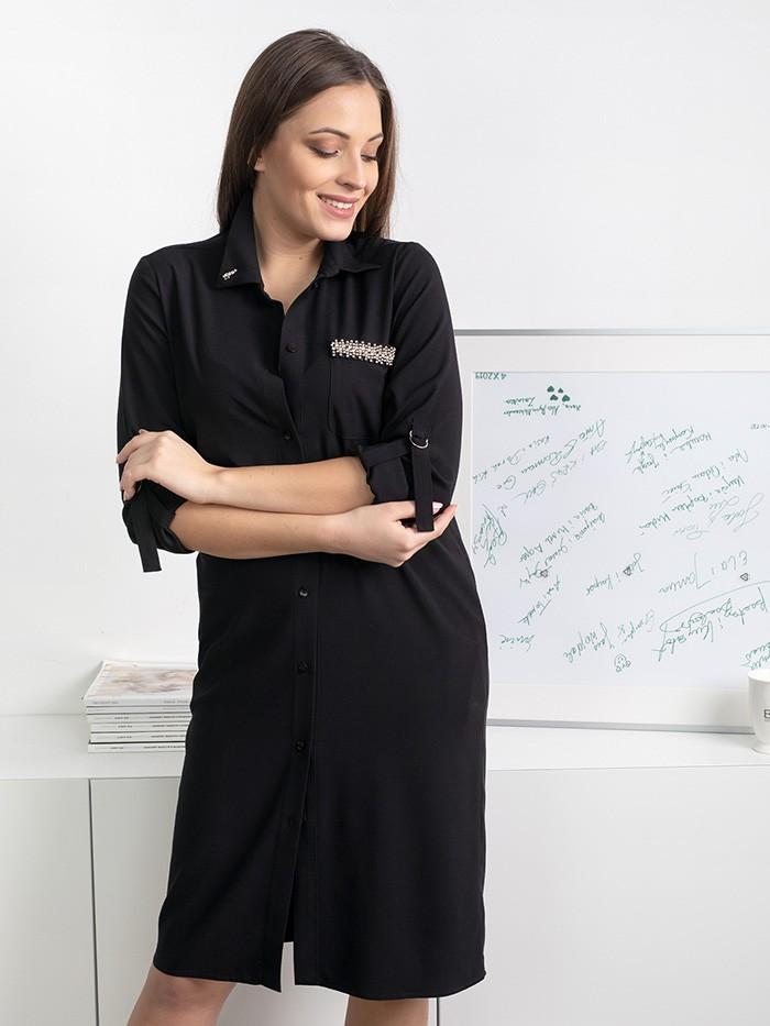 Czarna sukienka koszulowa zapinana na guziki, z kołnierzem i naszytą kieszenią z elementem biżuterii Bee Collection Hortess