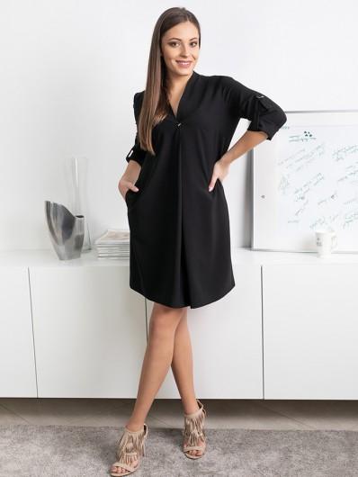 Luźna, czarna sukienka z rękawem, nowoczesna, tuszująca w stylu niezobowiązującej elegancji Bee Collection Lila