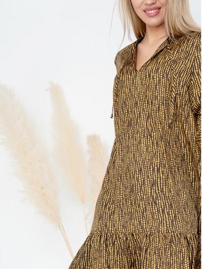 Sukienka boho w nowoczesnym wydaniu, ciepły brąz z geometrycznym żółtym wzorem Bee Collection Sahara