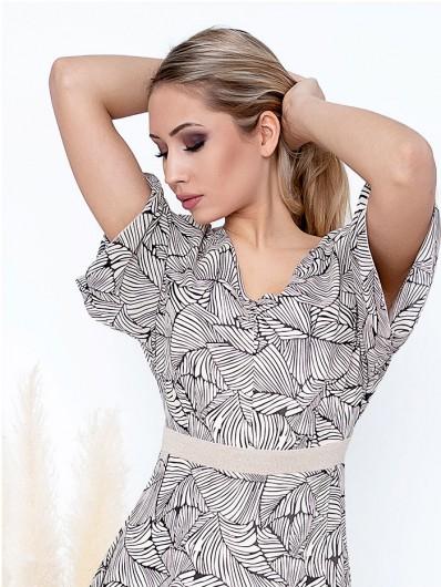 Nowoczesna rozkloszowana sukienka o geometrycznym wzorze w liście, ecru Bee Collection Mirabella