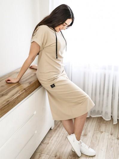 Sukienka beżowa z rękawem i kapturem, kieszenie, sukienka do pracy zdalnej, na wakacje i do biura, Bee Collection Luxia